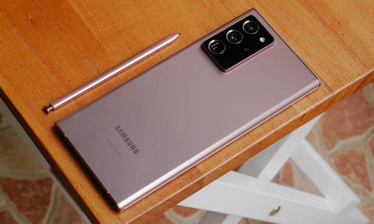 Samsung Galaxy Note 20 Ultra: Paling Premium diantara Handphone Premium Lain