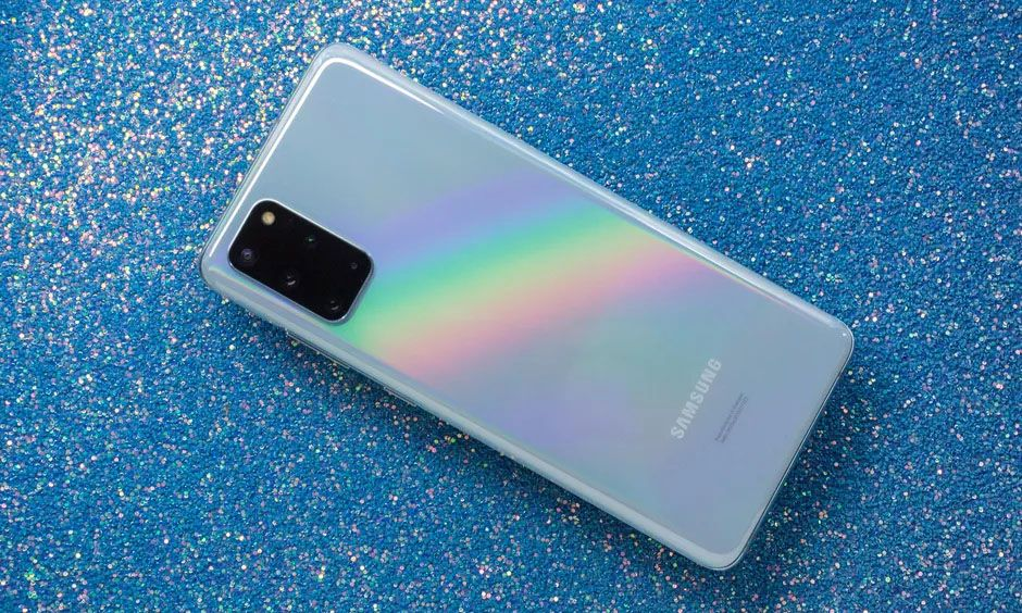 """Samsung Galaxy S20+: """"Anak Tengah"""" dengan Performa yang Keren"""